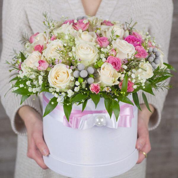 white-flush-luxury-hat-box