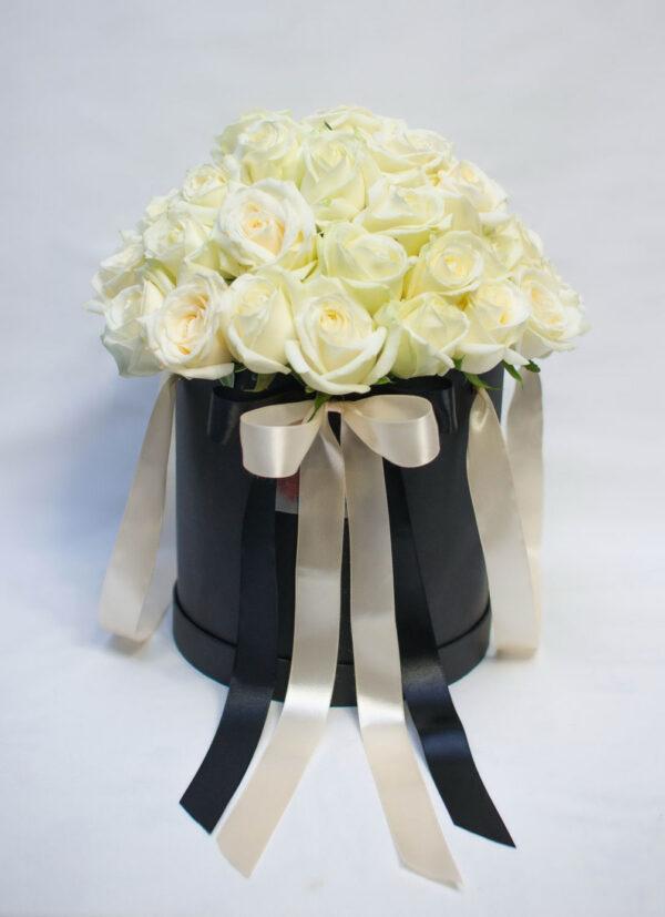 white-roses-luxury-hat-box-flower