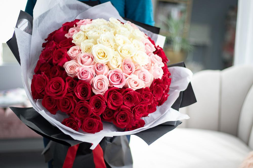 100 rose red white pink Bouquet