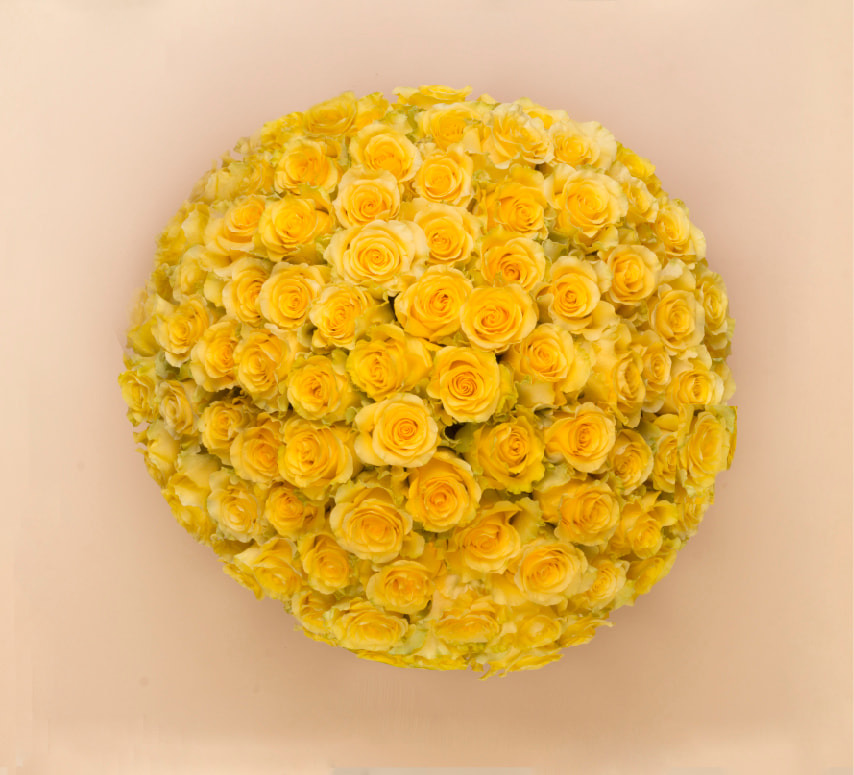 100 rose bouquet yellow top view